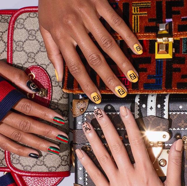 designerlogo-nagels-nail-art