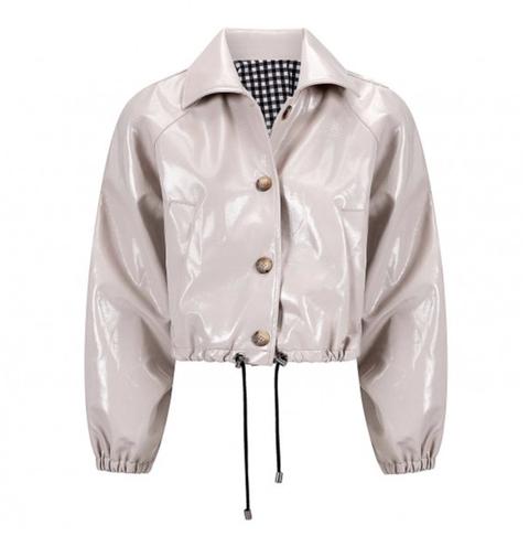 kort beige lakleren jasje van ou boutique stories