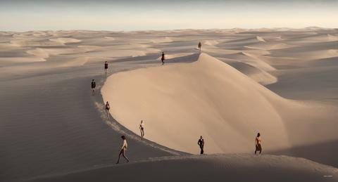 saint laurent lentezomer 2021 show in de woestijn