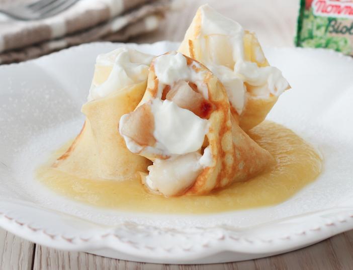 Le crêpes dolci con robiola e pere sono la ricetta light e delicata che incanterà i vostri ospiti