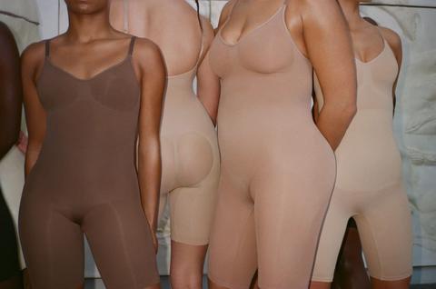 Thigh, Joint, Leg, Mannequin, Human body, Hip, Chest, Sportswear, Trunk, Undergarment,