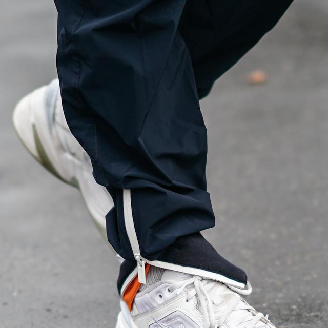 Human leg, Athletic shoe, Carmine, Running shoe, Grey, Walking shoe, Sneakers, Outdoor shoe, Cross training shoe, Nike free,