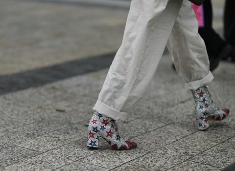 Human leg, Joint, Carmine, Street fashion, Calf, Ankle, Foot, Dance, Sock, Walking,