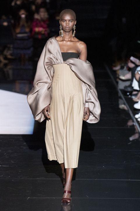 Schiaparelli haute couture show herfst/winter 19/20, Parijs