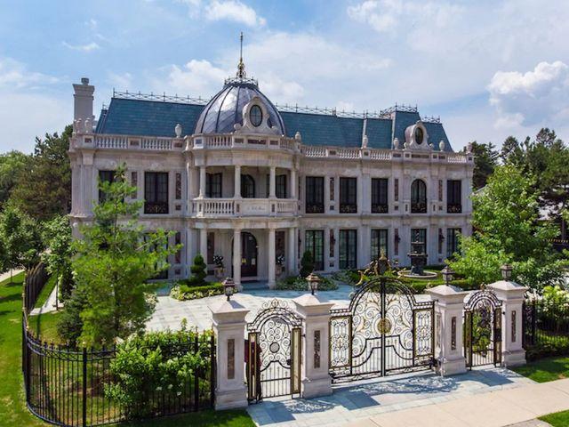"the toronto mansion from ""schitt's creek"""