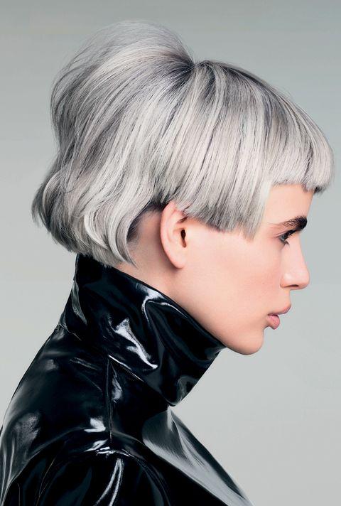 Hair, Hairstyle, Face, Blond, Chin, Hair coloring, Bob cut, Neck, Asymmetric cut, Shoulder,
