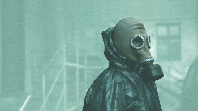 chernobyl hbo gasmasker poster