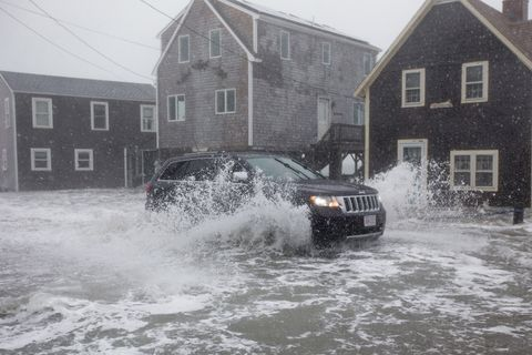Water, Vehicle, Flood, Car, Snow, Event, House, Rain, Home, Geological phenomenon,