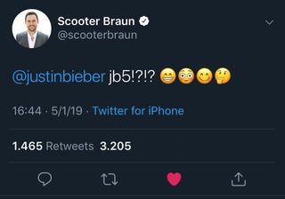 Scooter Braun membuat cuitan di atas dan membuat penggemar heboh (dok. Seventeen)