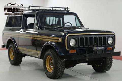 Land vehicle, Vehicle, Car, Jeep, Sport utility vehicle, Automotive exterior, Bumper, Tire, Hardtop, Automotive tire,