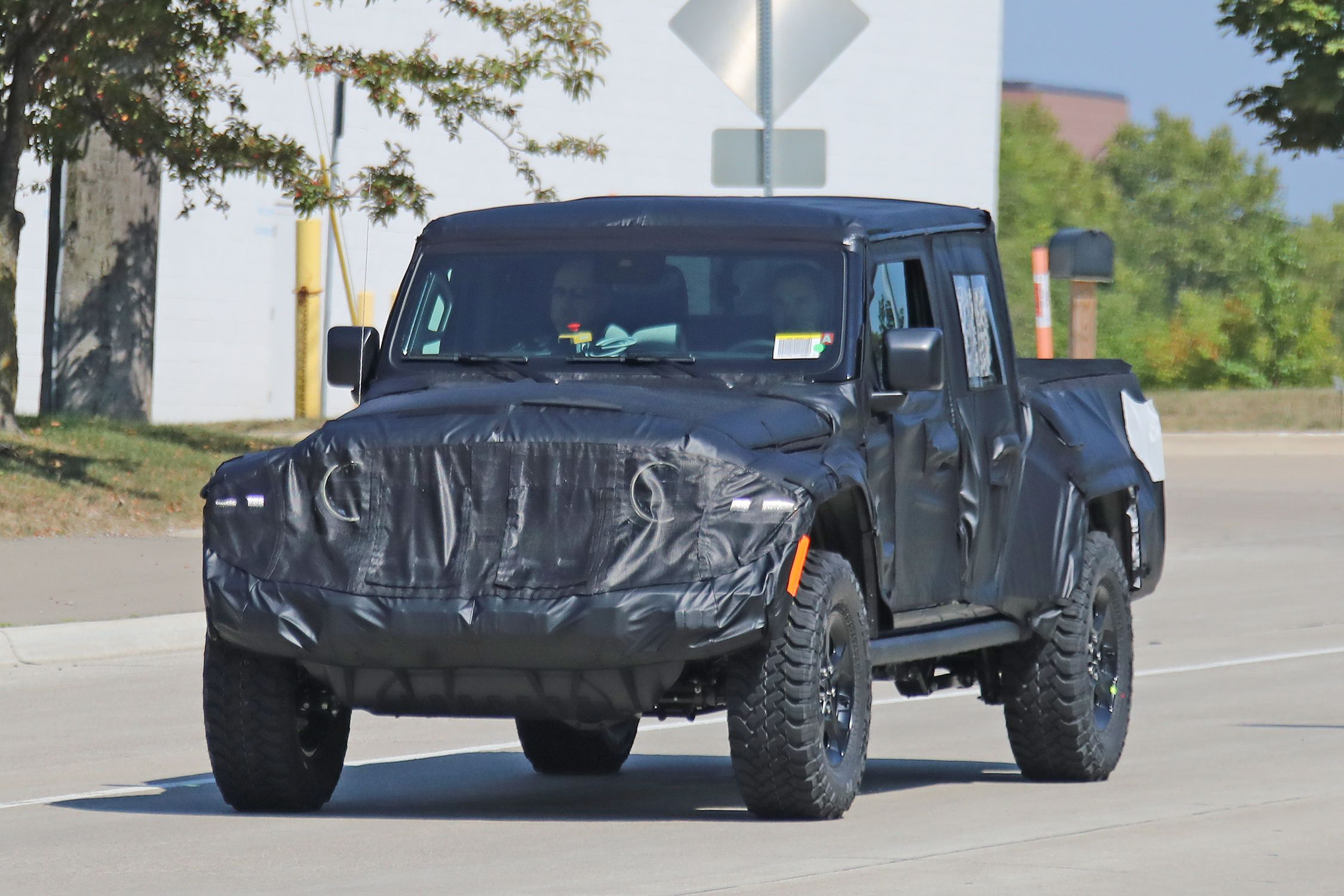 2020 Jeep Wrangler Pickup News Photos Price Release Date What