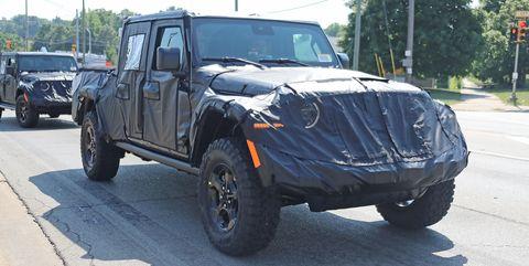Land vehicle, Vehicle, Car, Automotive tire, Tire, Motor vehicle, Jeep, Off-road vehicle, Wheel, Rim,