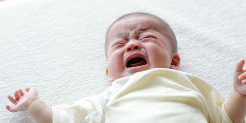 Cheek, Finger, People, Skin, Child, Facial expression, Comfort, Baby & toddler clothing, Organ, Toddler,