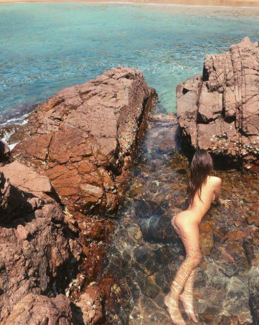 Emily Ratajkowski shares fully naked mermaid-esque photo on Instagram