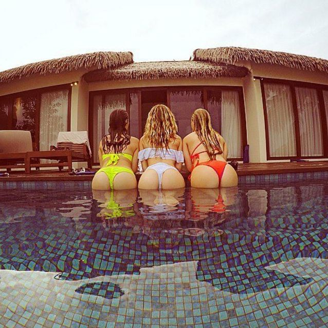Perrie Edwards gets her bum out in Instagram pic from the Maldives