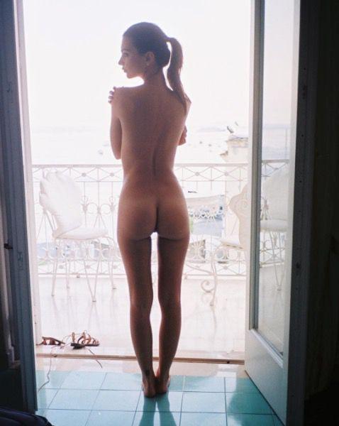 Emily Ratajkowski naked Instagram