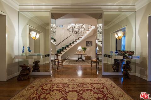 Lobby, Room, Property, Interior design, Building, Floor, Ceiling, Living room, Real estate, Estate,