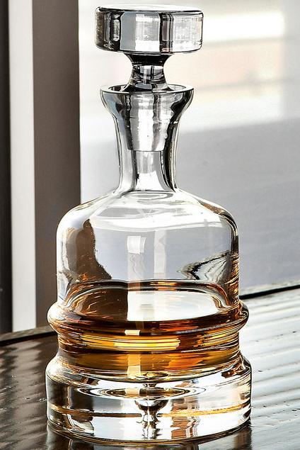 Britain Masculine Scotch Traditional Glass Wine Spirit Holder Decanter