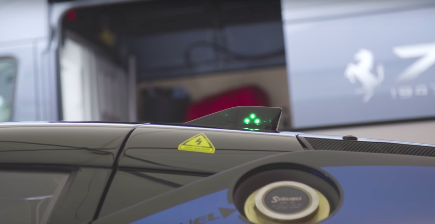 The Ferrari FXX K Has a Warning Light on its Roof to Make