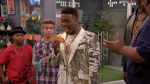 Here Are All The Icarly Easter Eggs From Nathan Kress S Game Shakers Episode