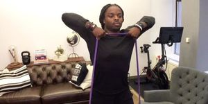 ワークアウト, フィットネス, Men's Health, メンズヘルス,レジスタンスバンド,   レジスタンスバンド トレーニング,   レジスタンスバンド 使い方