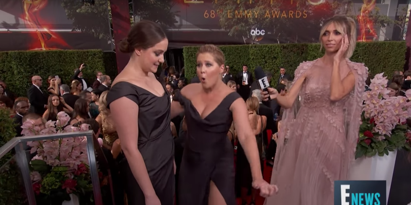 30 Awkward Moments At Emmy Awards - Awkward Celebrity Interactions