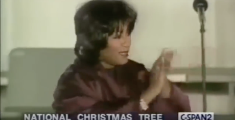 Patti Labelle This Christmas.Patti Labelle S Disastrous Tree Lighting Performance Is The