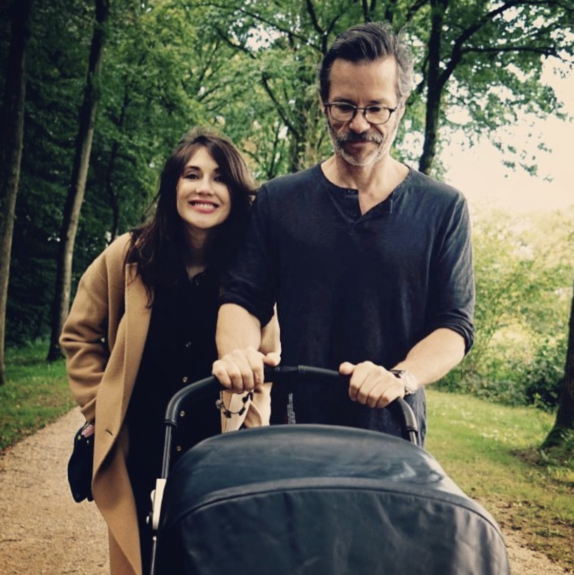 Carice Van Houten (Melisandre) and Guy Pearce Carice and her husband Guy welcomed their son Monte in August 2016.