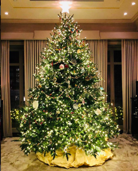 Celebrity Holiday Decorations How Stars Decorate Homes And