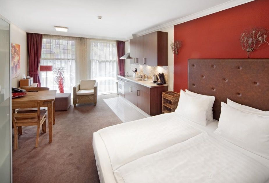 cheap hotels in Amsterdam, cheap hostels Amsterdam, cheap hotels in amsterdam city centre, cheap amsterdam flights and hotel package