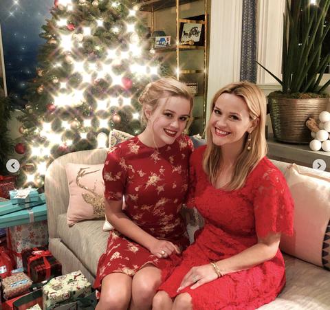 Christmas, Red, Christmas eve, Holiday, Christmas ornament, Event, Christmas decoration, Christmas tree, Sitting, Happy,