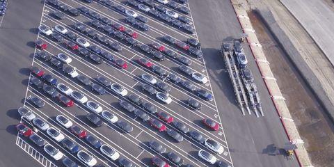 Transport, Parking lot, Thoroughfare, Traffic, Line, Infrastructure, Metal, Road, Steel, Vehicle,