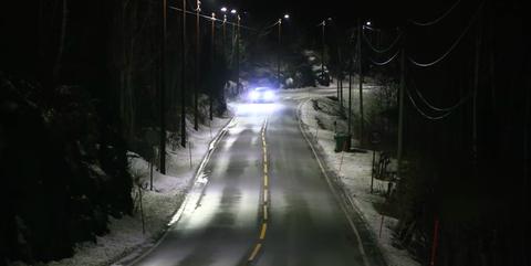 Night, Light, Darkness, Road, Automotive lighting, Lighting, Tree, Street light, Headlamp, Mode of transport,