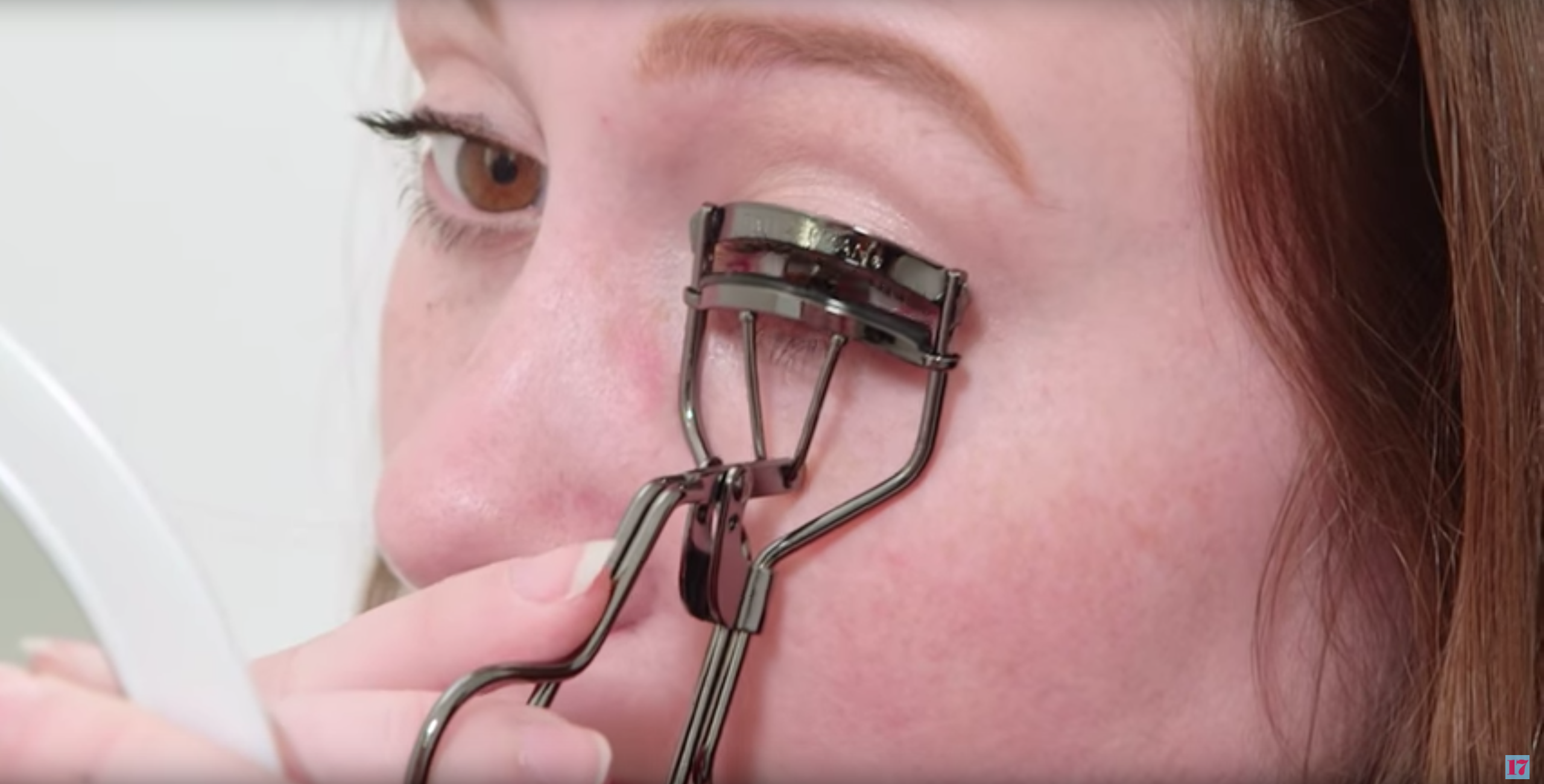 Can You Actually Apply Eyeliner With An Eyelash Curler