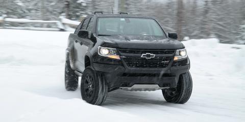 Land vehicle, Vehicle, Car, Automotive tire, Tire, Bumper, Automotive exterior, Off-roading, Sport utility vehicle, Rim,