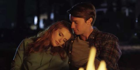 Romance, Interaction, Kiss, Love, Scene, Darkness, Night, Midnight, Gesture, Fictional character,