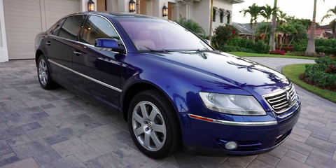 Land vehicle, Vehicle, Car, Luxury vehicle, Mid-size car, Alloy wheel, Executive car, Volkswagen, Automotive tire, Volkswagen phaeton,
