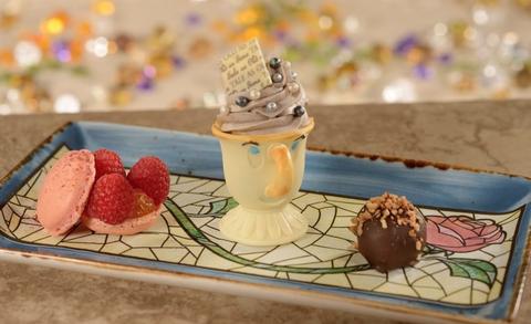 Food, Dessert, Cuisine, Frozen dessert, Sweetness, Dish, Mousse, Ingredient, Cream, Sundae,