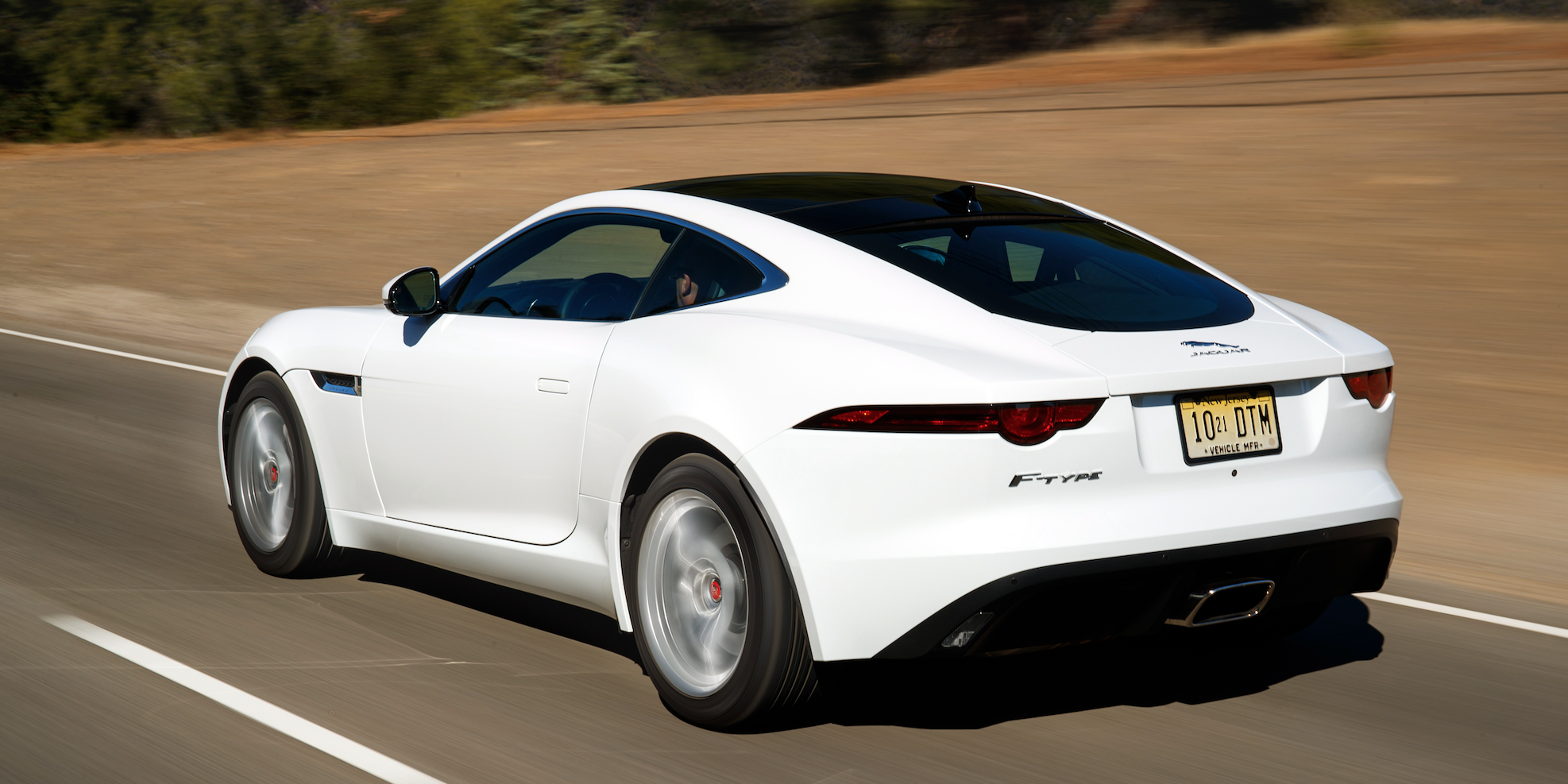 Jaguar Releases Minor Updates for the 2019 F-Type Lineup