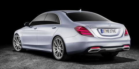 Land vehicle, Vehicle, Car, Luxury vehicle, Automotive design, Personal luxury car, Motor vehicle, Mercedes-benz, Full-size car, Mid-size car,
