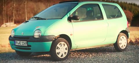 Land vehicle, Vehicle, Car, Motor vehicle, City car, Vehicle door, Subcompact car, Automotive design, Renault twingo, Automotive wheel system,