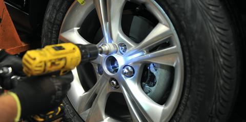 Alloy wheel, Tire, Wheel, Automotive tire, Auto part, Rim, Vehicle, Car, Automotive wheel system, Spoke,