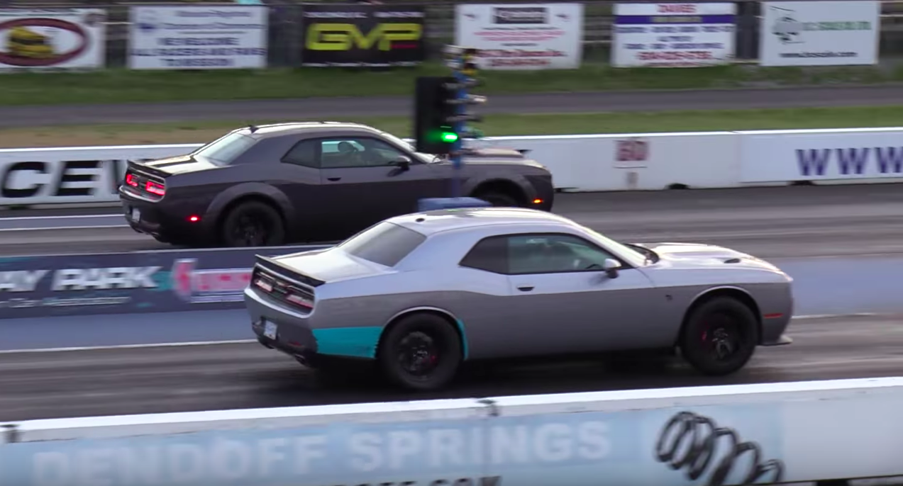 Demon Vs Hellcat Drag Race Hellcat Races Demon 1 4 Mile