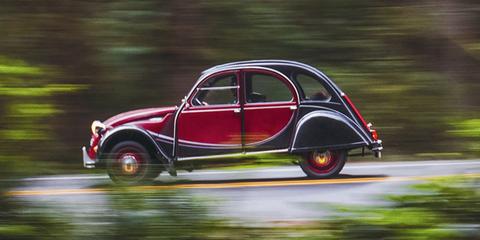 Land vehicle, Car, Classic car, Vehicle, Vintage car, Motor vehicle, Coupé, Classic, Automotive design, Antique car,
