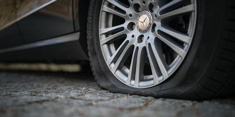 Alloy wheel, Tire, Rim, Wheel, Automotive tire, Spoke, Auto part, Automotive wheel system, Vehicle, Car,