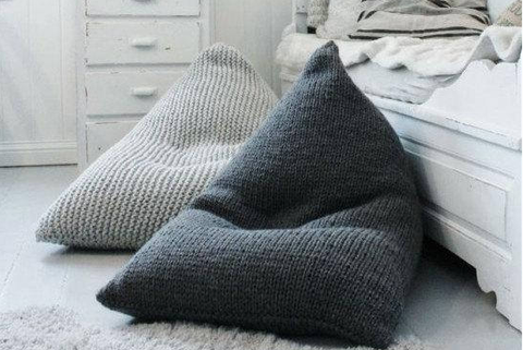 Awe Inspiring Giant Knit Bean Bags Are The New Giant Knit Blankets Squirreltailoven Fun Painted Chair Ideas Images Squirreltailovenorg