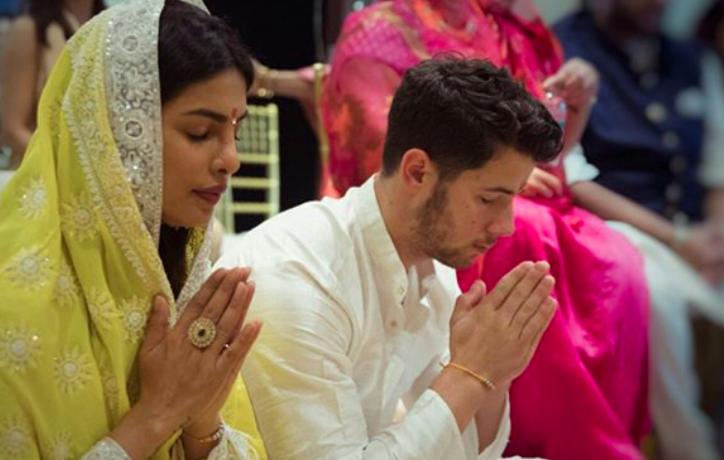 Nick Jonas Priyanka Chopra Engagement Ceremony Photos Priyanka Chopra Instagrams Engagement Cermemony Photos With