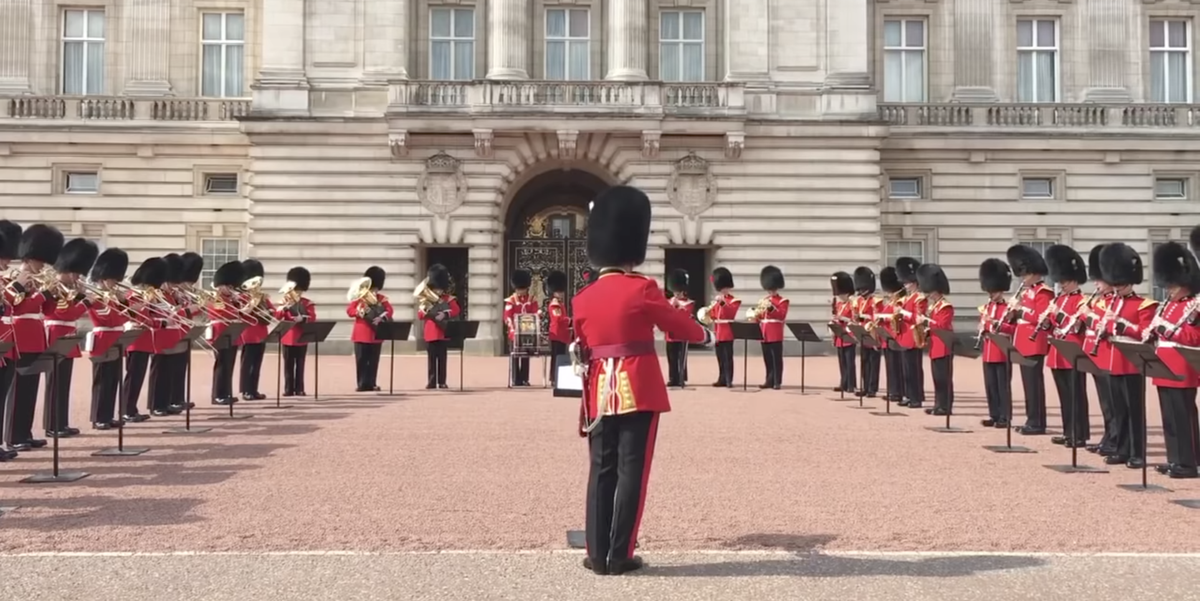 Watch Buckingham Palace Honor Aretha Franklin By Playing Respect During the Changing of the Guard