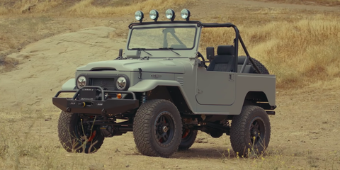 Land vehicle, Vehicle, Car, Motor vehicle, Off-road vehicle, Automotive tire, Jeep, Off-roading, Bumper, Tire,
