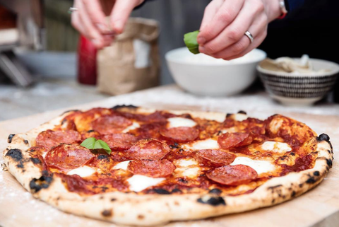 Cool job alert you can get paid to be a pizza taste tester image forumfinder Images
